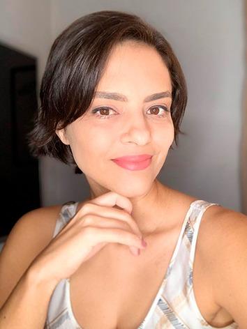 Eliane Alvarenga